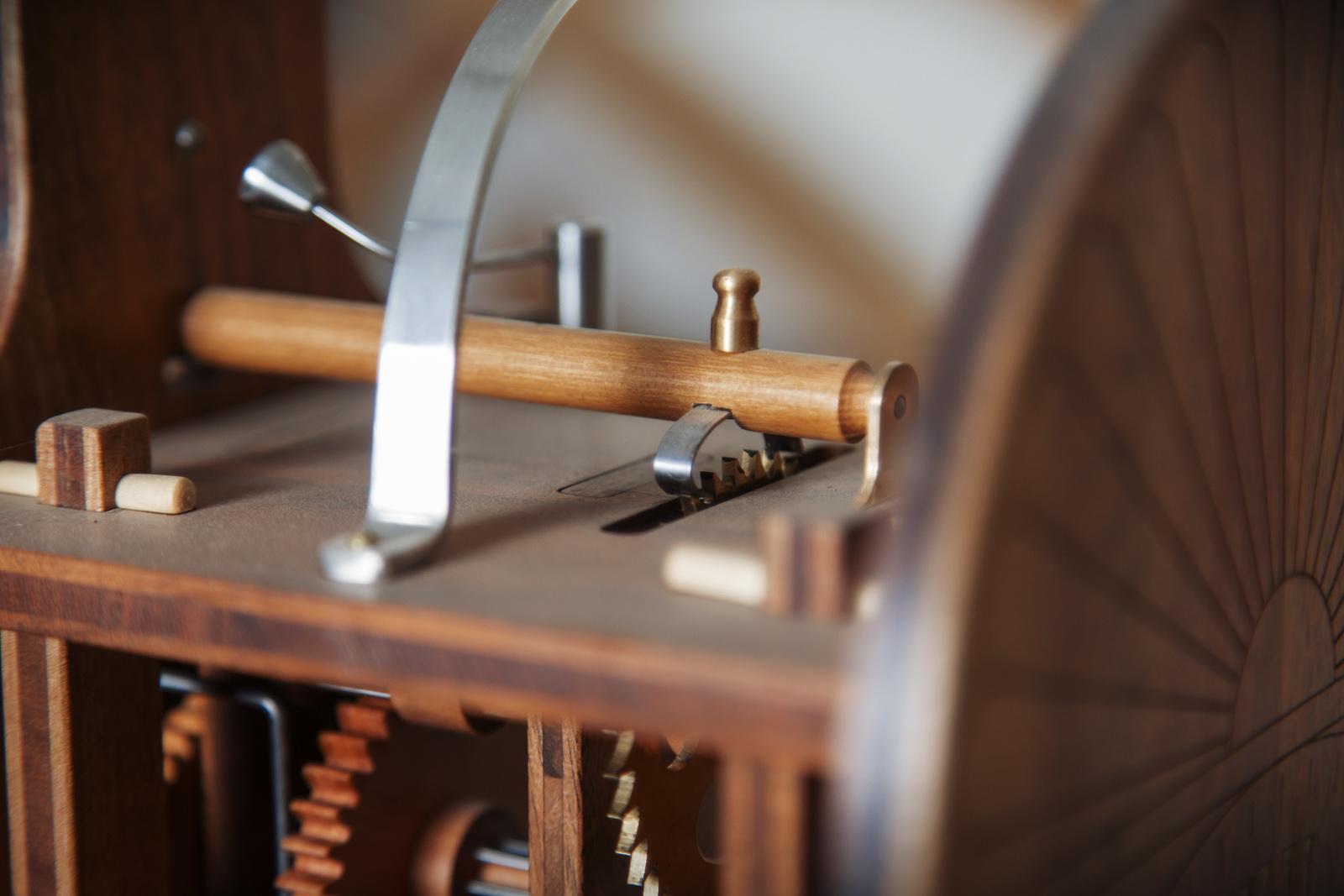 legno e acciao nell'orologio